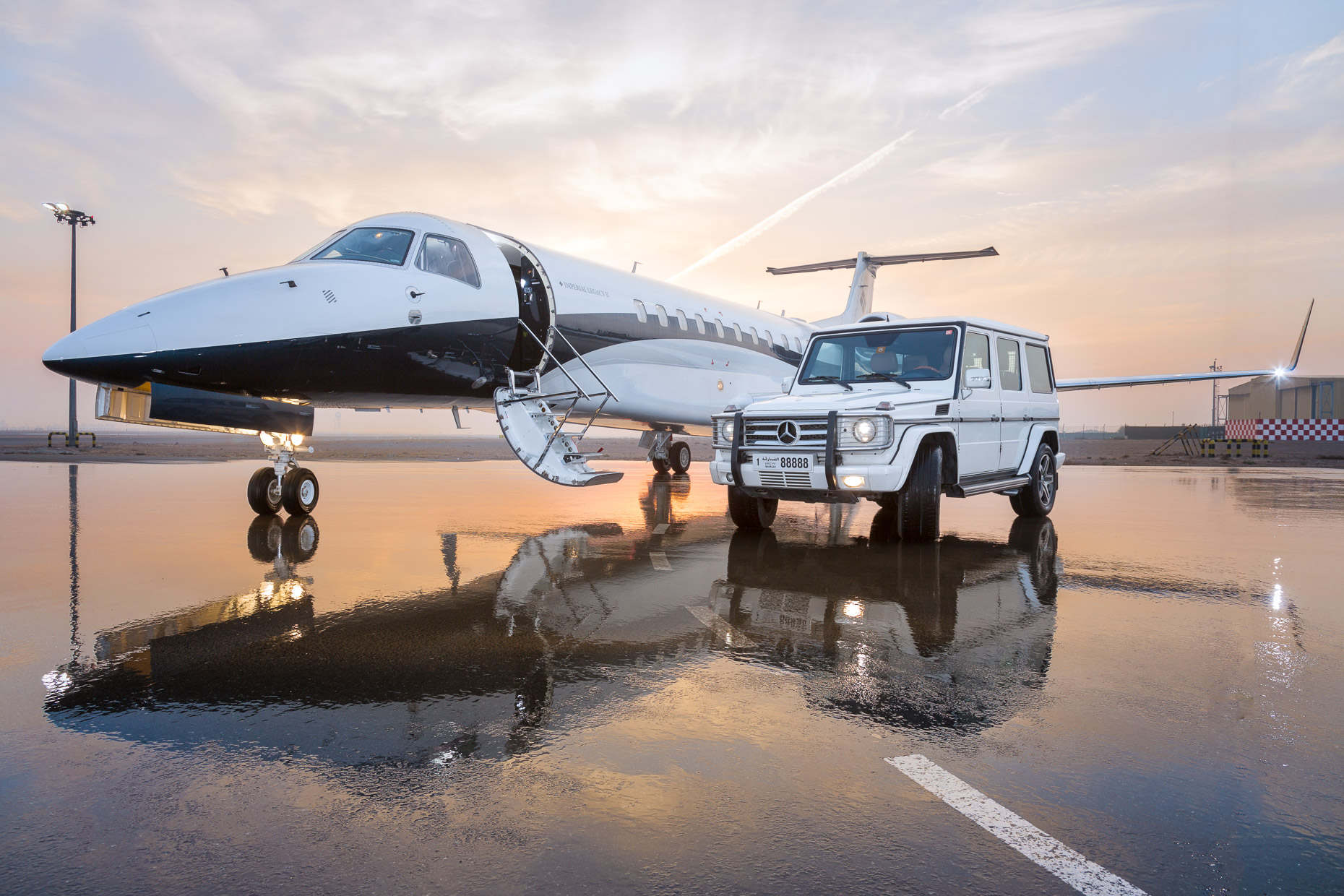 Private Aircraft Mercedes Sunset | Dubai, UAE